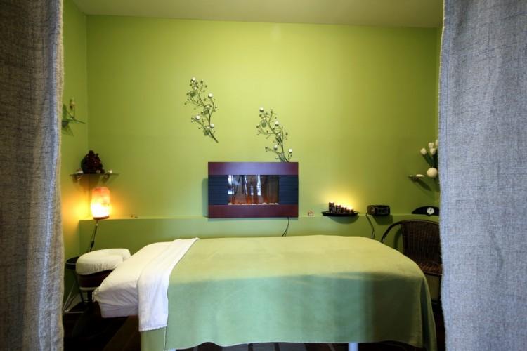 salle de massage. Black Bedroom Furniture Sets. Home Design Ideas